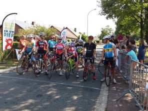 overpelt start wielrennen